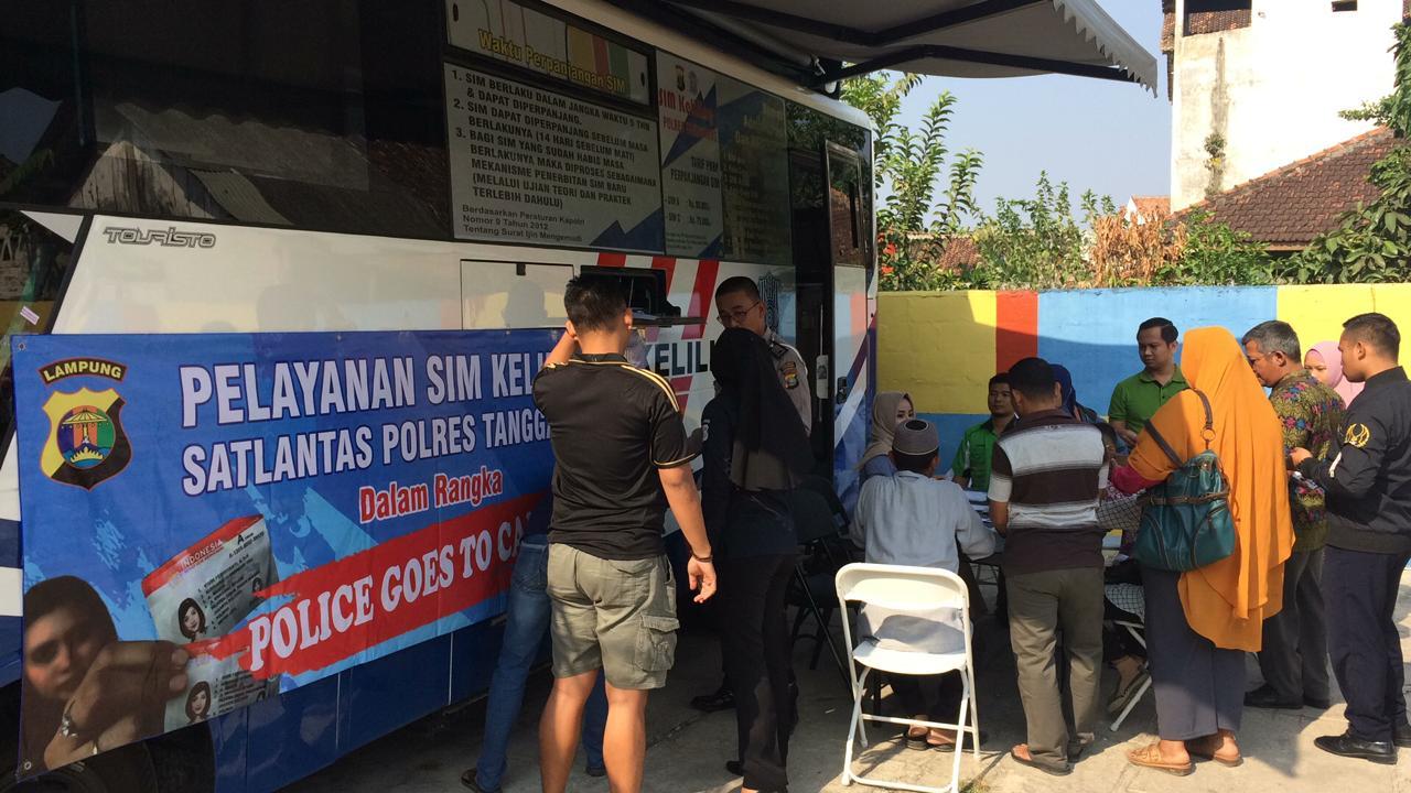 Polres Buka Pelayanan SIM Keliling Depan STMIK Pringsewu