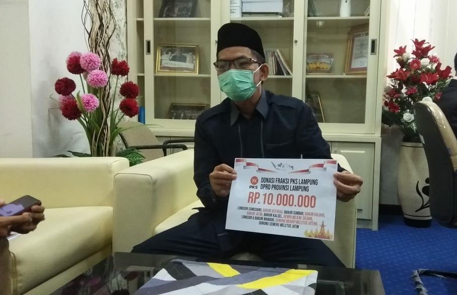 Sisihkan Gaji, Fraksi PKS Lampung Donasi Untuk Korban Bencana Alam